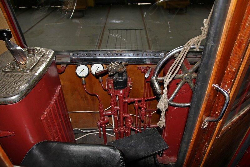 Место вагоновожатого в старинном трамвае ЛМ-47 IMG_8714