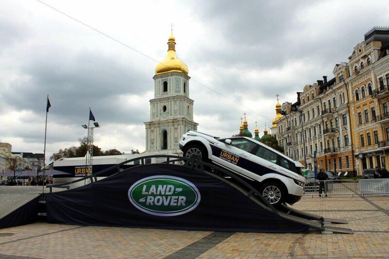 Тест-драйв RANGE ROVER на Софиевской площади