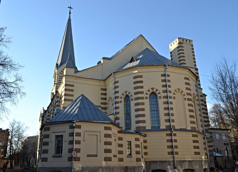 Апсида церкви Святых Петра и Павла