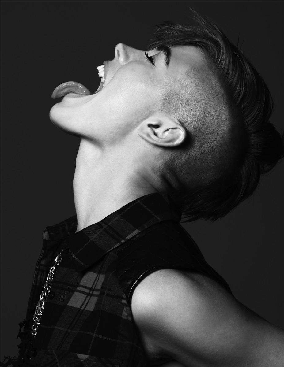 Бритт Линн / Britt Linn Vee by Kyle Deleu in The Libertine Magazine fall 2013
