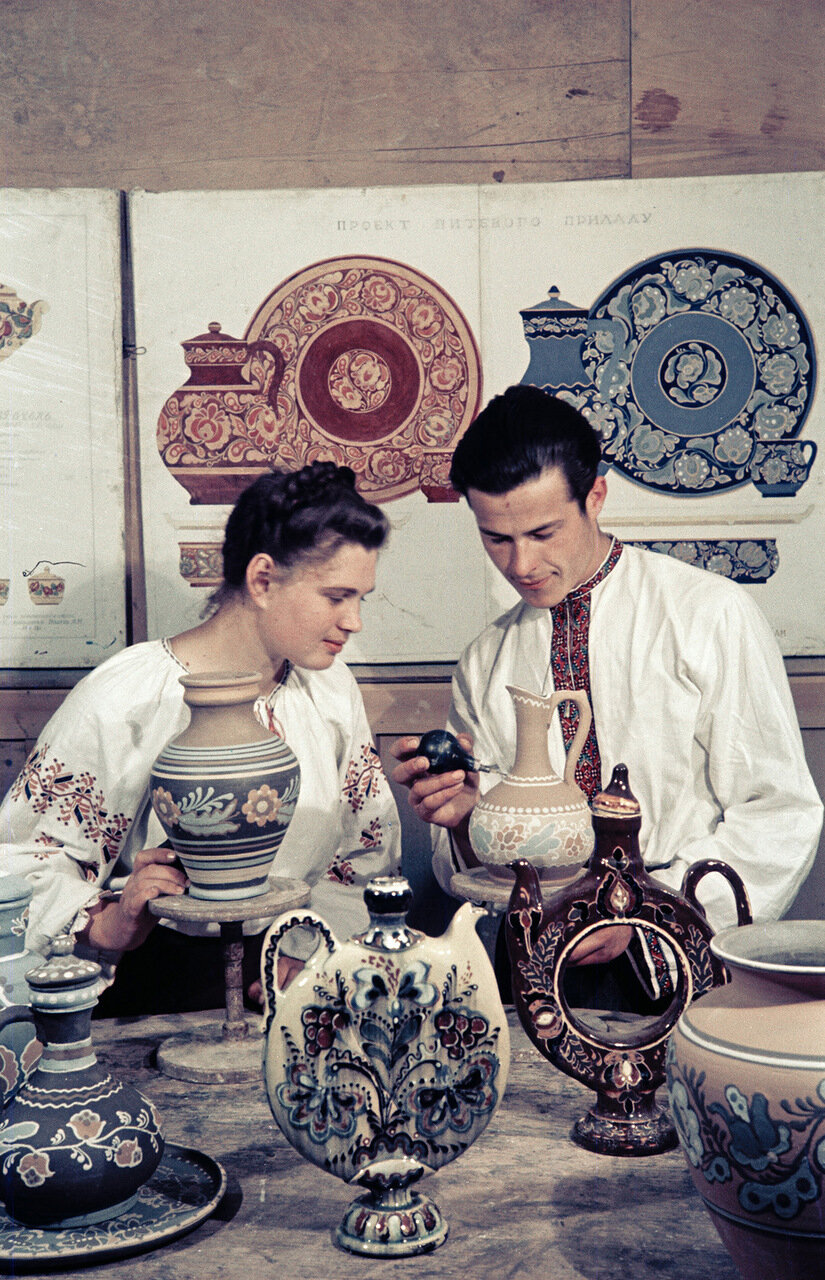 Народные промыслы, роспись посуды. Украина