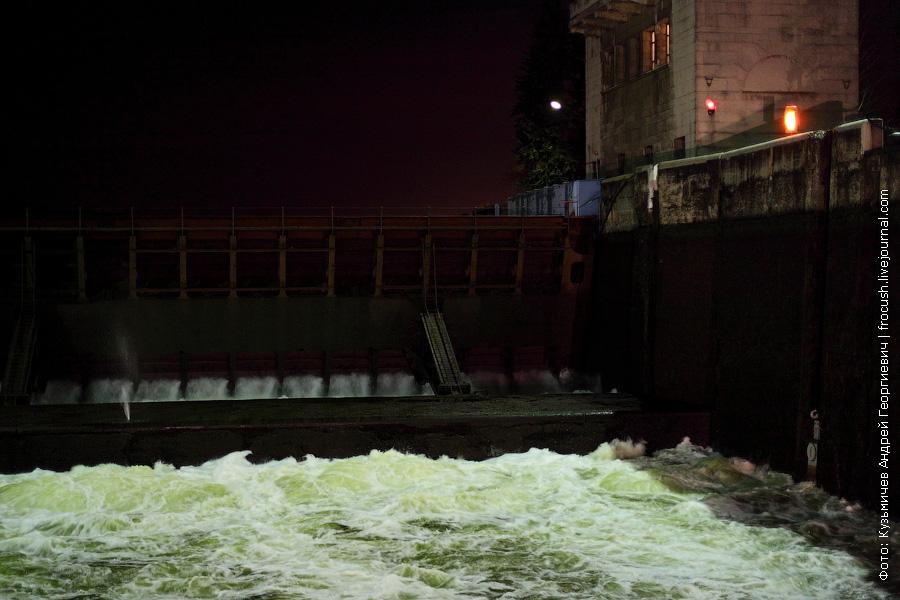 фонтанчик в третьем шлюза канала имени Москвы