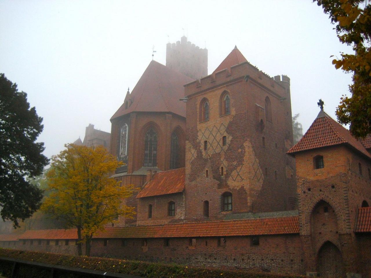 Польша, замок Мальборк - HitCases ru