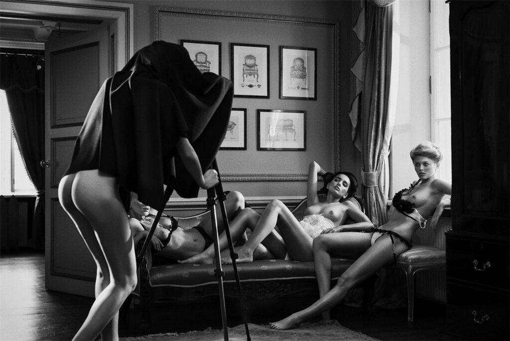 галереи личной эротики темноту подвала