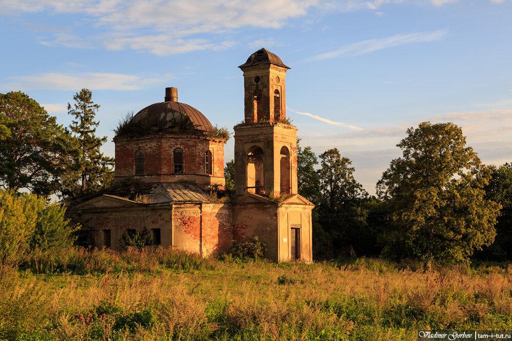 Караваево, Спасская церковь
