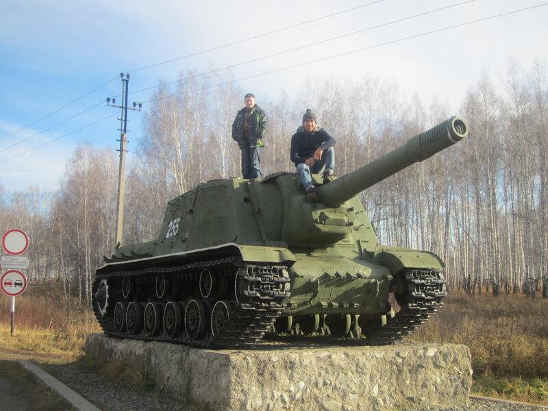 Мальчики и танк (15.11.2013)