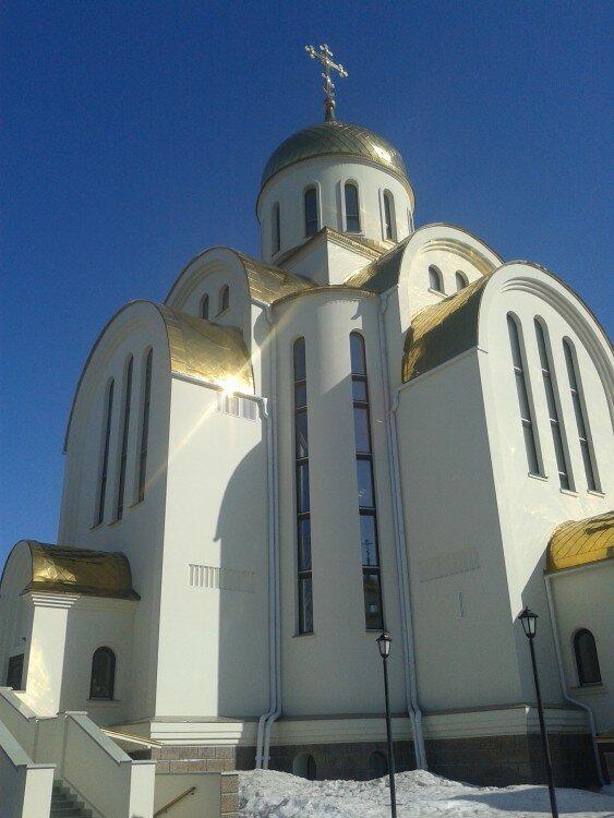Церковь Покрова Пресвятой Богородицы в Озерске (22.05.2013)