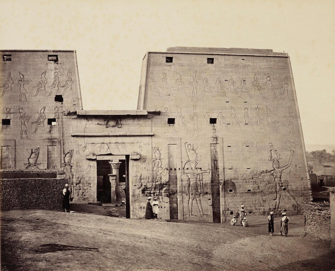 14 марта 1862. Большая арка храма Гора, Эдфу