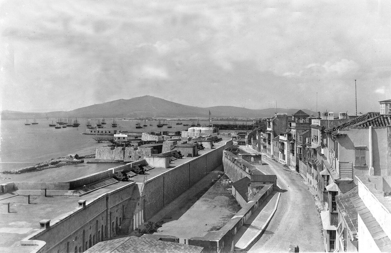 1890. Новые линии стены