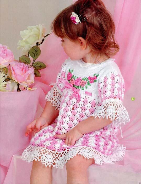 вязаное ажурное платье для девочки крючком