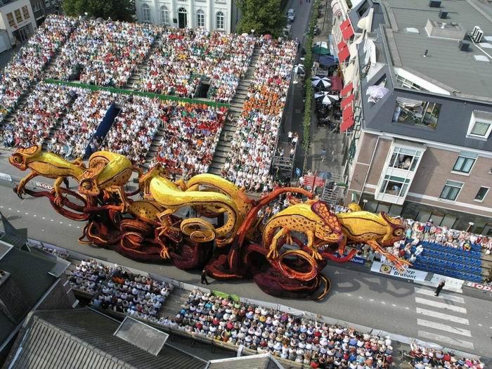 Парад цветов Bloemencorso Zundert. Нидерланды. Цветочный рай