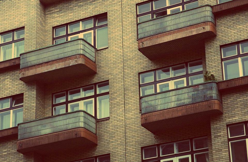 Жителям Ленобласти вновь доступна электронная регистрация прав нанедвижимость
