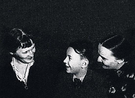 А.Ахматова, А.Баталов, Н.Ольшевская