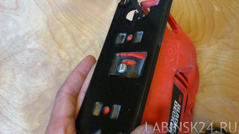 качественный и недорогой лобзик Black&Decker KS500