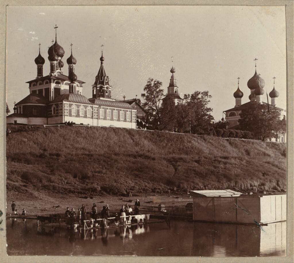 Общий вид церкви Св. Царевича Димитрия на Крови.