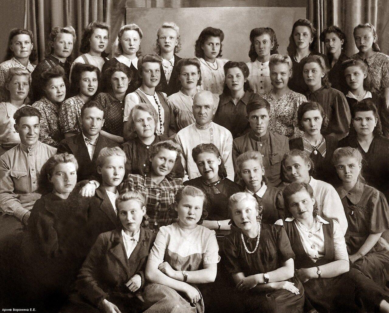 1960-е. Курсы продавцов. Ярославль.