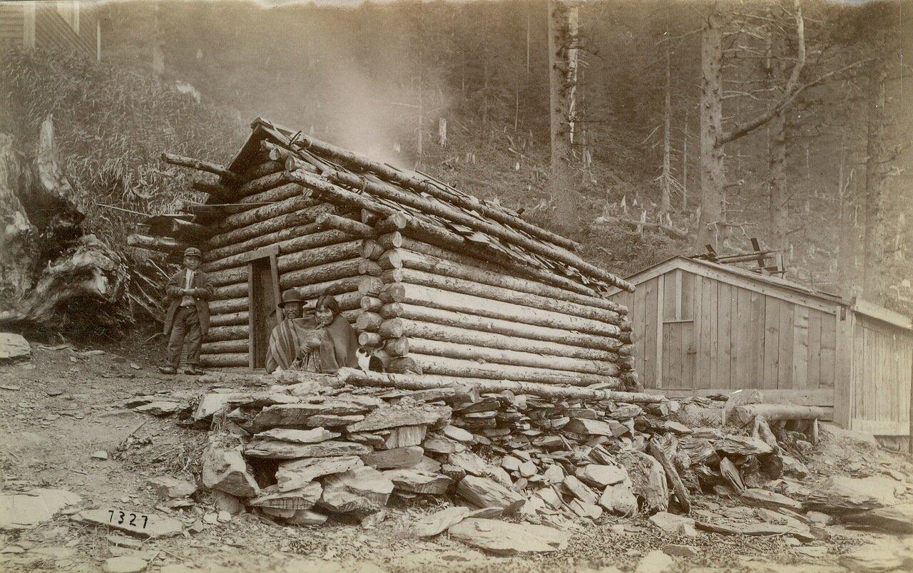 1883. Дом в деревне Таку