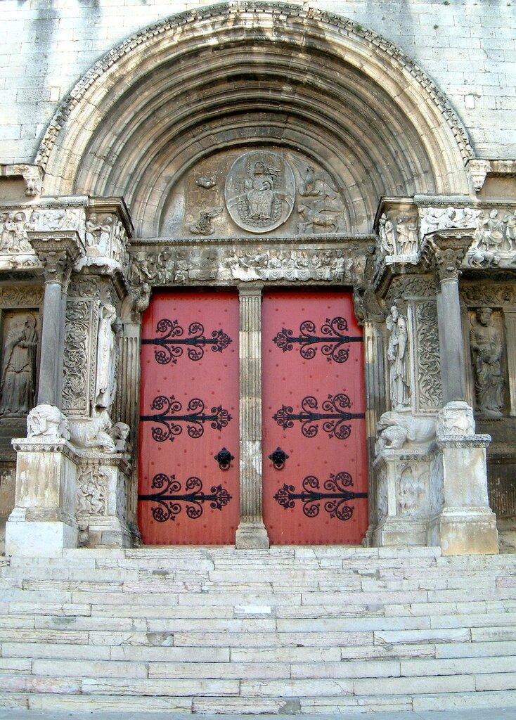 Frankreich-Camargue-Saint_Gilles-Kathedrale-Portal.jpg