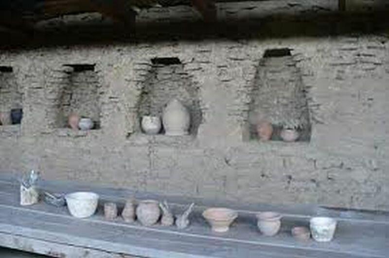 Такие стены были в жилье арийцев (29.05.2013)
