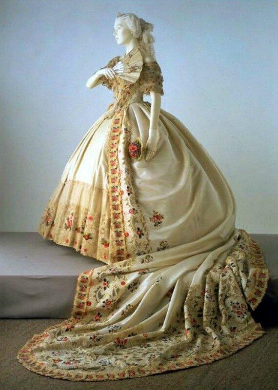Свадебное платье. 1850-е гг.