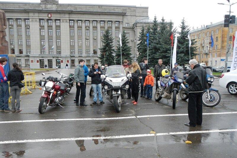 Мини-выставка мотоциклов на Театралке