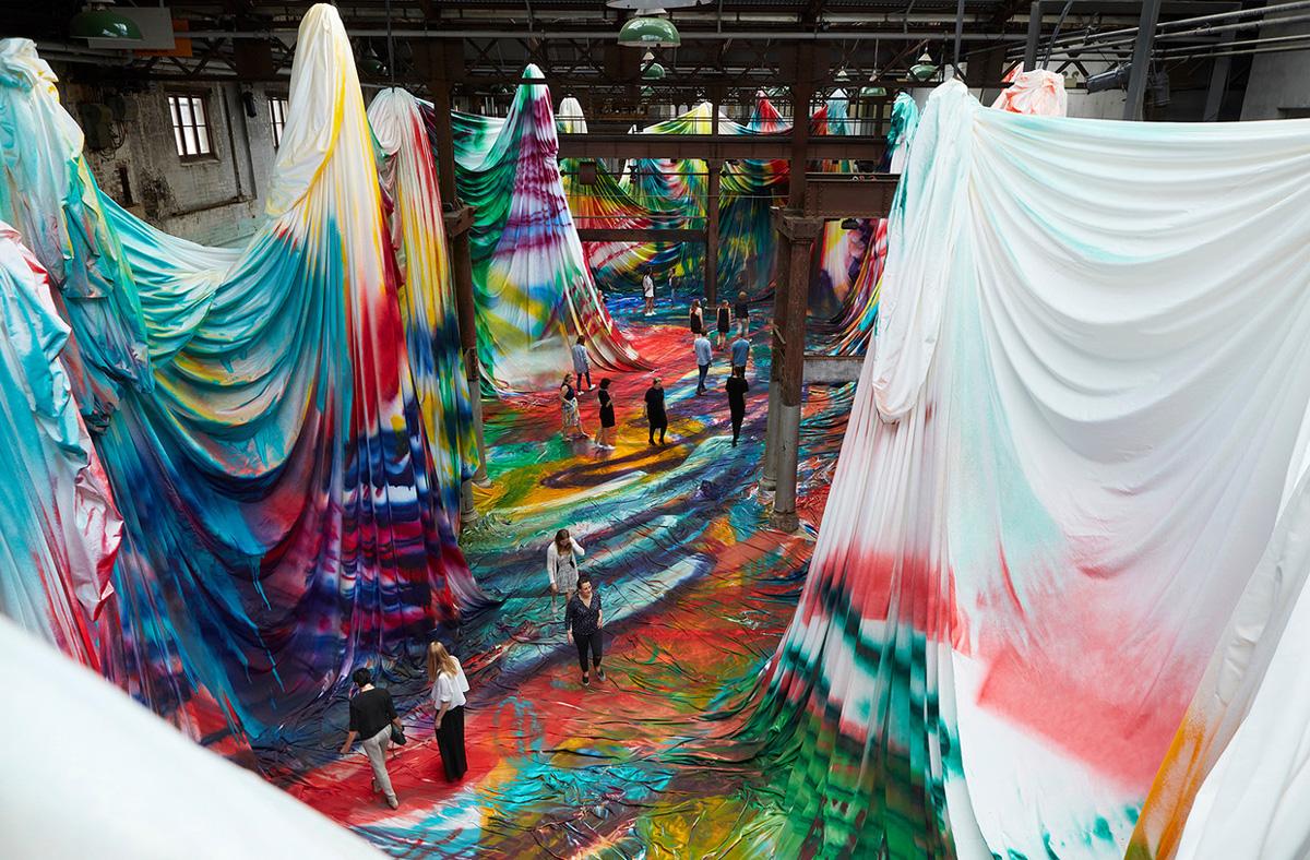 Walk Inside a Warehouse-Sized Kaleidoscopic Painting by Katharina Grosse (6 pics)