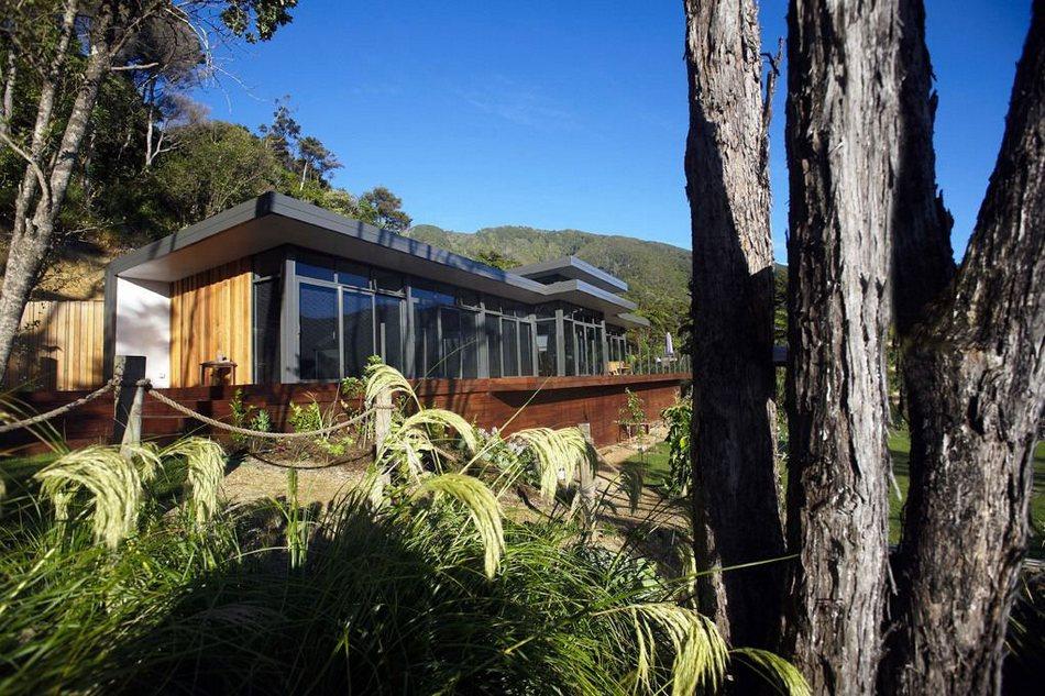 Летний домик с видом на залив в Новой Зеландии