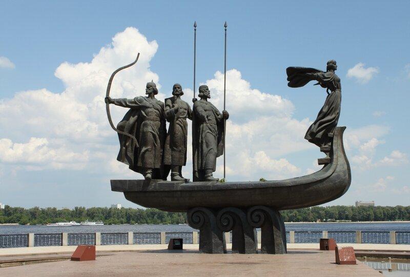 Памятник основателям Киева в Наводницком парке