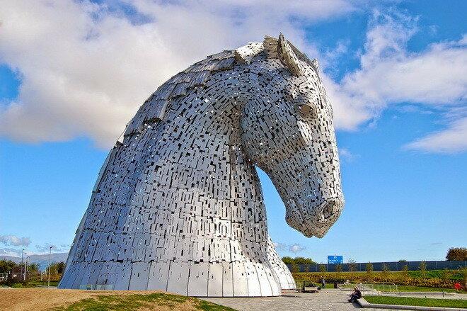 Лошади Келпи в Фолкерке. Великобритания