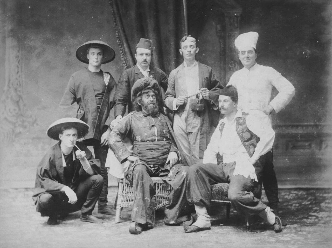 1898. Костюмированная вечеринка