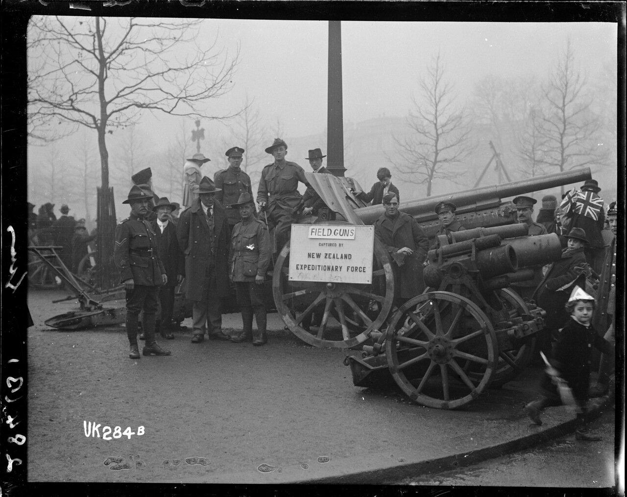 Полевые орудия захваченые новозеландцами в Первой мировой войне