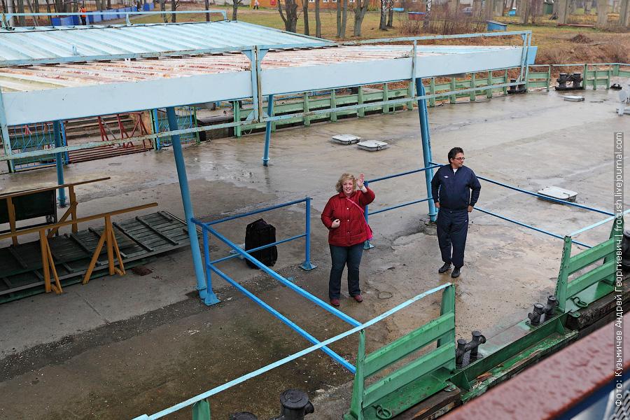 некоторые туристы завершили круиз в Калязине
