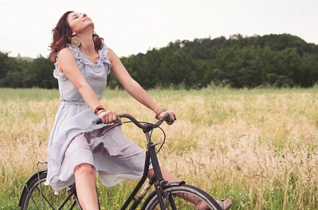 Деревенские девушки на велосипедах фото фото 581-40