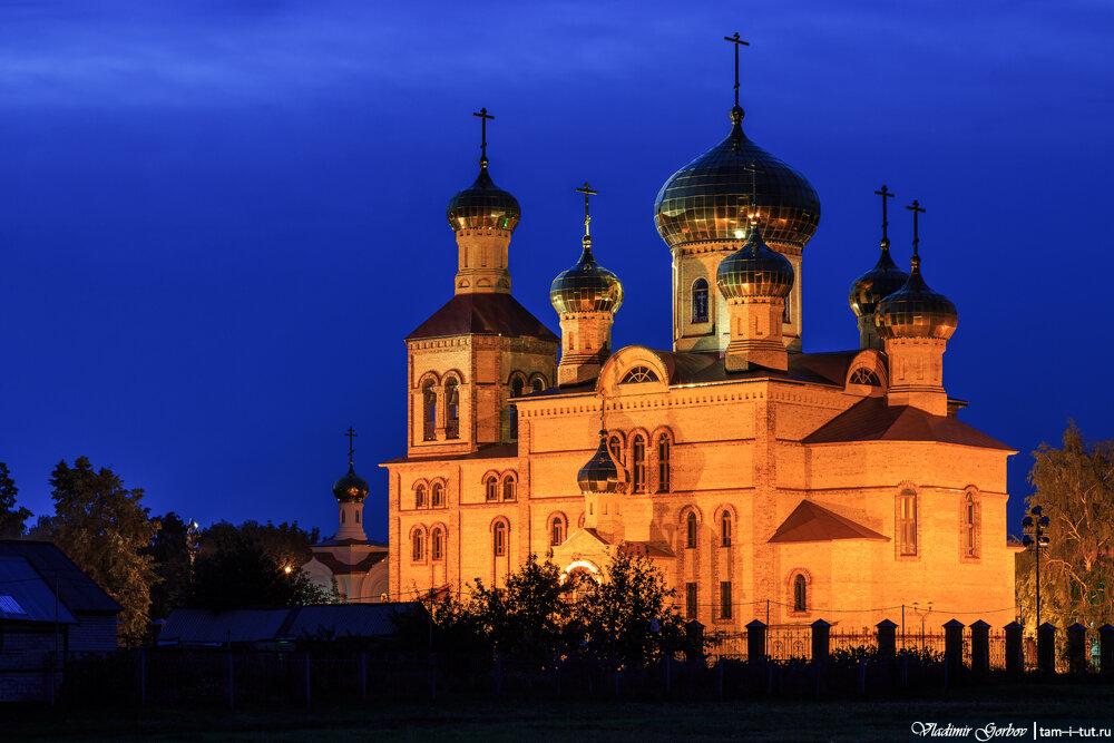 Алексеевское, церковь Воскресения Христова