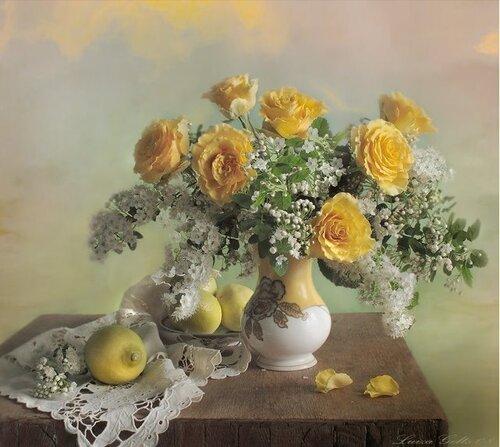 Букет роз с ветками цветущей вишни открытка поздравление картинка
