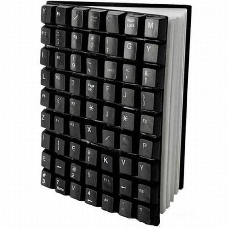 10. Клавиатуру можно превратить в оригинальную обложку для книги или ежедневника.