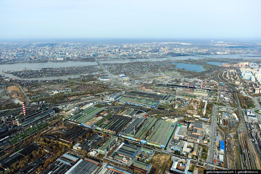 Территория завод составляет 80 га