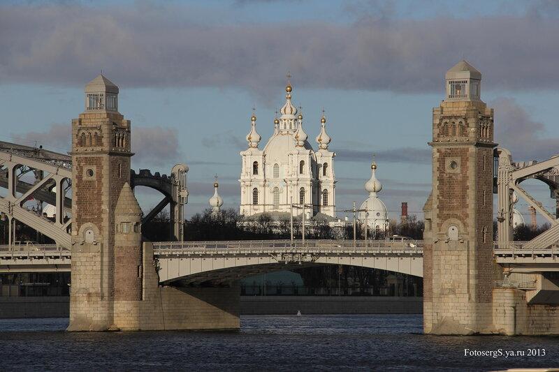 Смольный собор и Большеохтинский мост