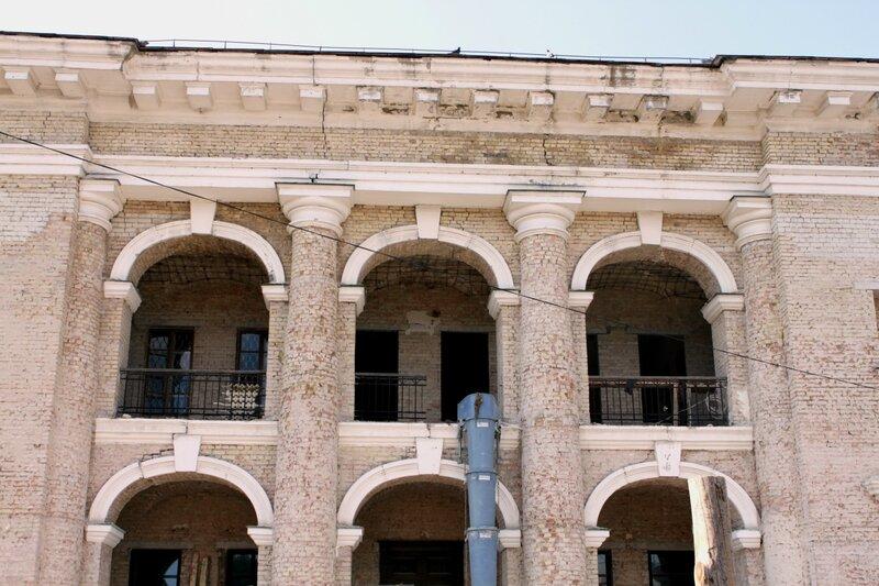 Подготовка Гостиного двора к реконструкции