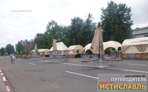 Город готовится к средневековому празднику