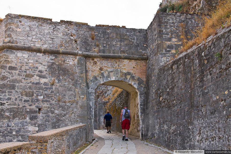 Вход в Старую Крепость. Керкира, Греция