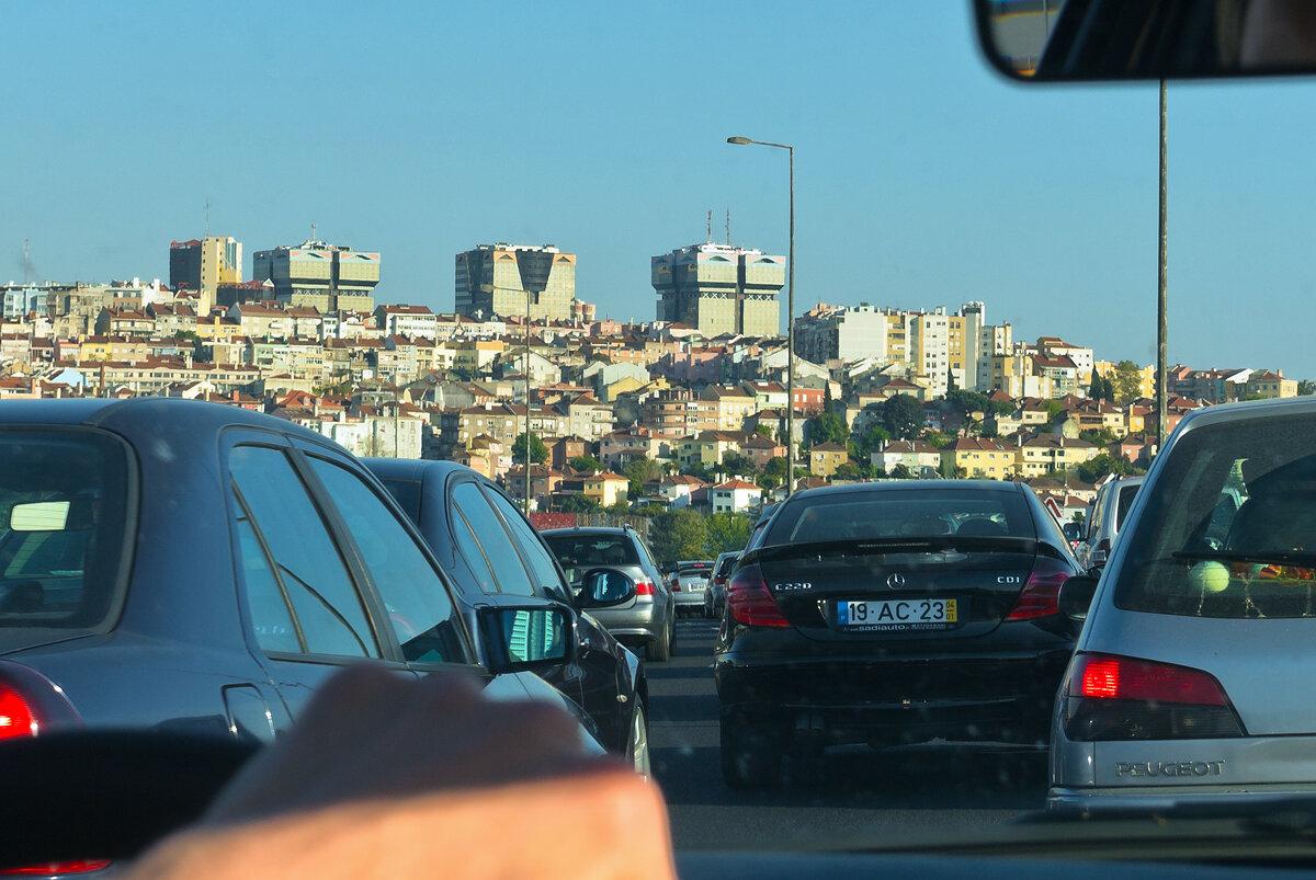 Въезжаем в Лиссабон