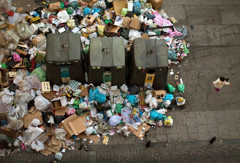 Девятый день забастовки мусорщиков в Мадриде