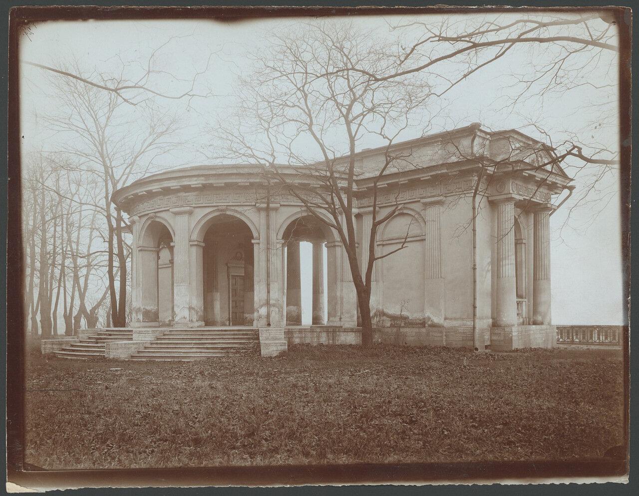 Павильон Михайловского сада.