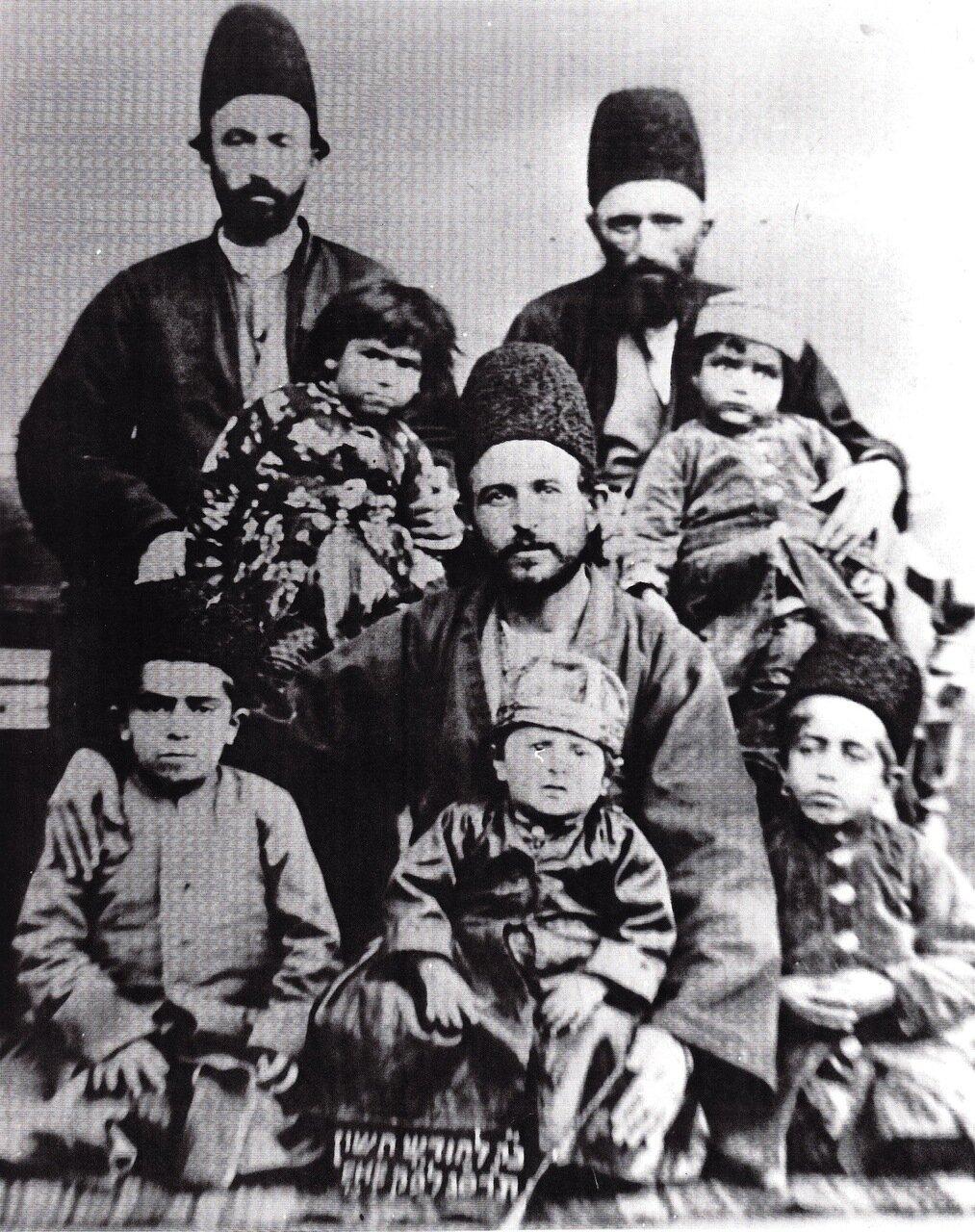 Семья Рафии, Хамадан, 1903