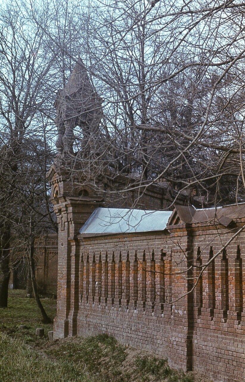 Усадьба Покровское-Стрешнево. Ограда