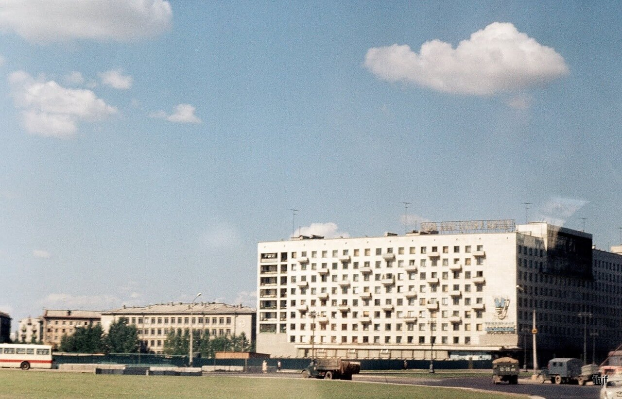 apts enroute back to Leningrad