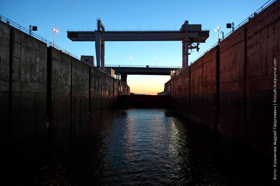 Камера шлюза Чебоксарской ГЭС