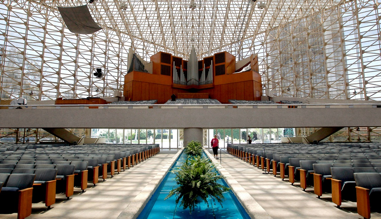 CRYSTAL-CATHEDRAL/