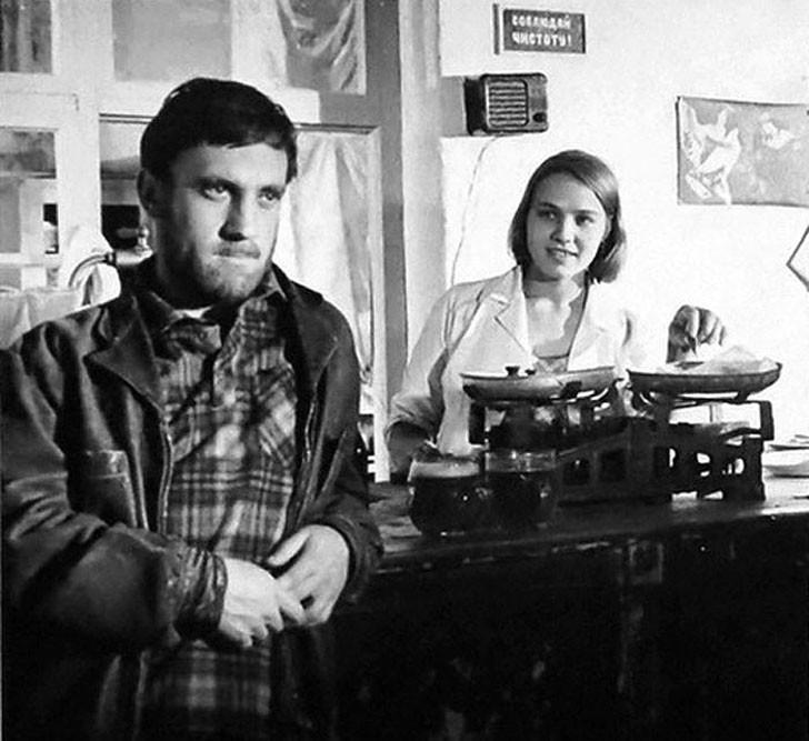 Нина Русланова, 1967, «Короткие встречи» — Надя.